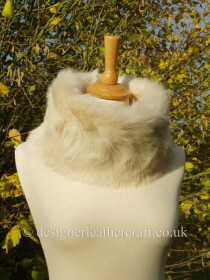 Medium Size Toscana Shearling Snood in Cream